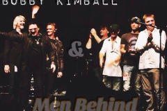 Willy Wagner Bassist mit Bobby Kimball mit Men behind