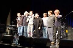 Bobby Kimball Verbeugung mit Bassist Willy Wagner