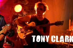 Willy Wagner Bassist mit Tony Clark Band