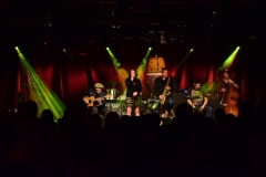 willy wagner Bassist mit Jessica Born Collossaal